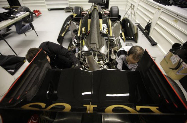 Rear wing of a Lotus Renault Formula 1 car